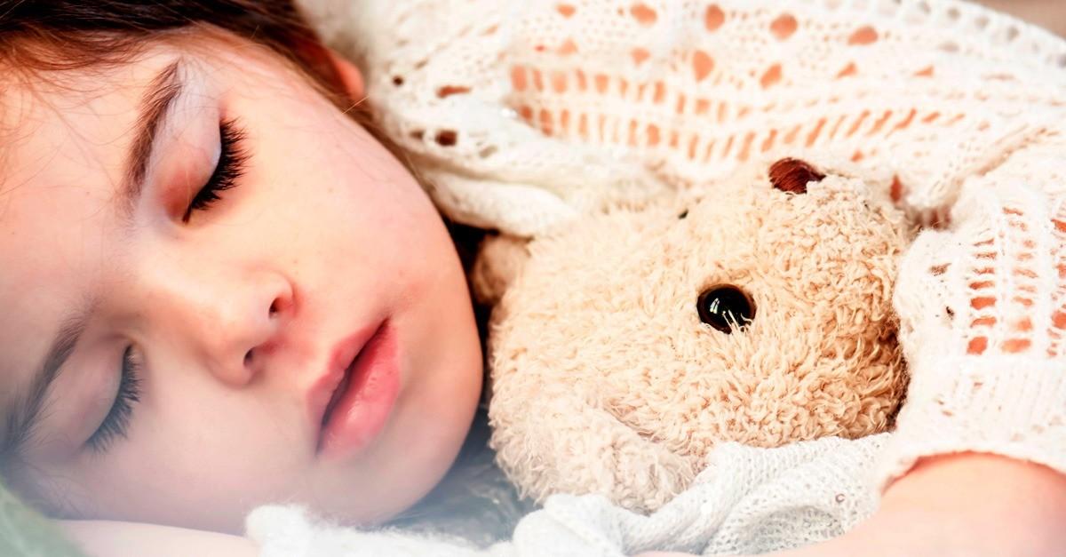 Die 5 besten Nachtlichter für Babys und Kinder [mit beruhigendem Farbton]