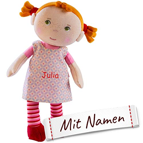 HABA Stoffpuppe Roja mit Namen Bestickt, Erste Baby Puppe zum kuscheln, Weiche Kuschelpuppe 303730
