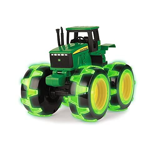 TOMY 37792 Spielzeugtraktor John Deere Monster Treads, Traktor mit leuchtenden Rädern in NEON-Grün, zum...