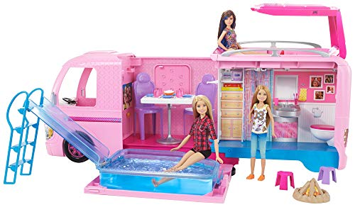 Barbie FBR34 - Super Abenteuer Camper, Puppen Camping Wohnwagen mit Zubehör, Mädchen Spielzeug ab 3...