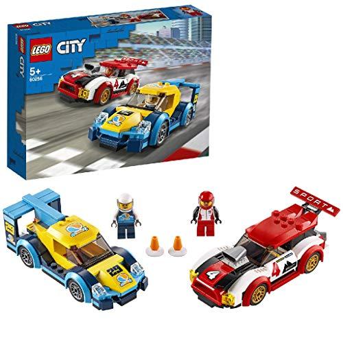 LEGO 60256 Rennwagen-Duell City Spielzeug mit 2 Rennfahrer-Minifiguren, Rallyefahrzeugen für Kinder ab 5...