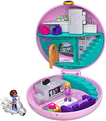 Polly Pocket GDK82 Pyjamaparty Schatulle Donut Wohnzimmer mit Polly und Shani, Mädchen Spielzeug ab 4...