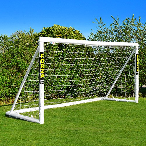 FORZA Fußballtore mit einem Klicksystem – das Tor kann das ganze Jahr über bei jedem Wetter draußen...